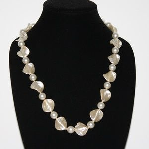 Beautiful LONG pearl necklace VINTAGE